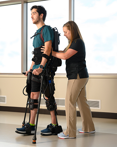 Ekso GT ™: This full-body supportive exoskeleton has a motorized frame that responds to patients' movements and assists with mobility, weight-shifting, and walking.
